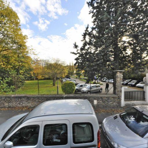 Parking Stade de la Marche - Parking - Marnes-la-Coquette