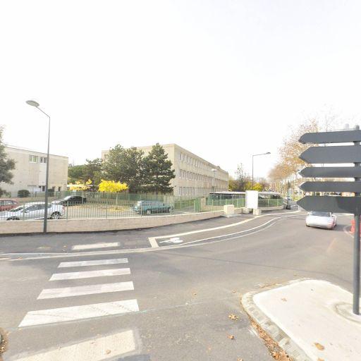 Département De Haute Garonne - Collège - Blagnac