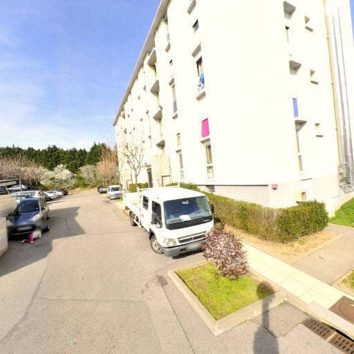 Tava Micro Business - Location d'automobiles avec chauffeur - Lyon