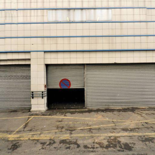 Crédit Industriel Et Commercial - Banque - Montreuil