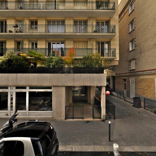 Boutique et Spa Clarins Neuilly - Institut de beauté - Neuilly-sur-Seine