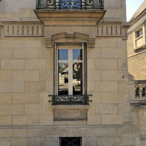 Père Marie-Pierre - Notaire - Dijon
