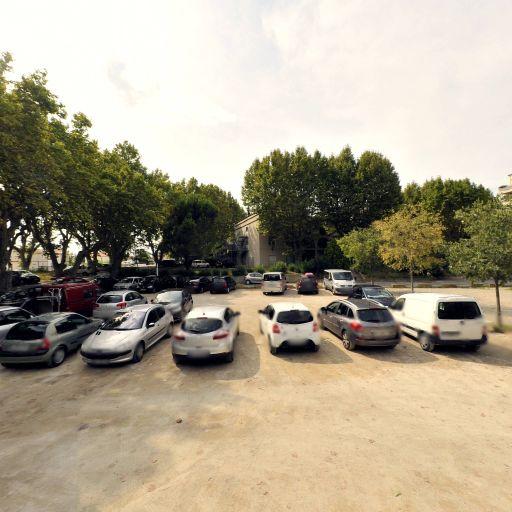 Parking Place de la Croisière - Parking - Arles