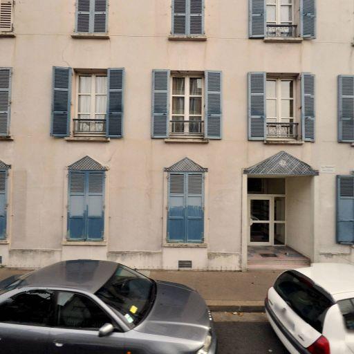 Le Theatre Incendiaire Bedjaoui Raissa - Enseignement pour les professions artistiques - Boulogne-Billancourt