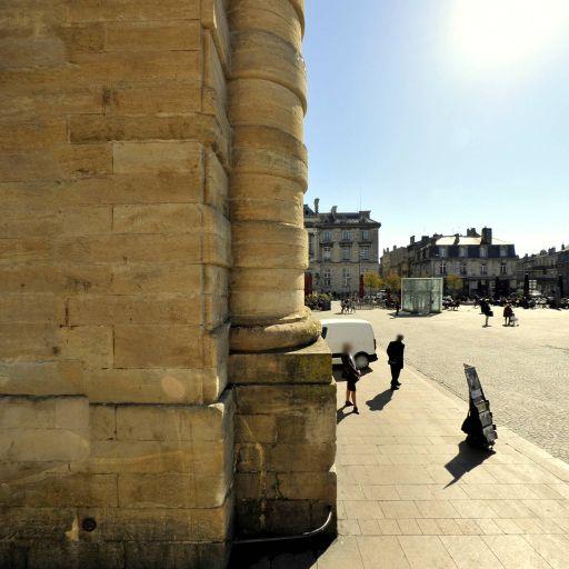 Place de la Victoire - Attraction touristique - Bordeaux