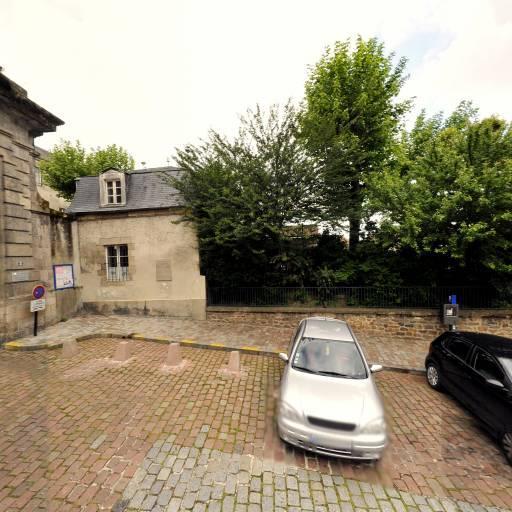 Place du Présidial - Attraction touristique - Limoges