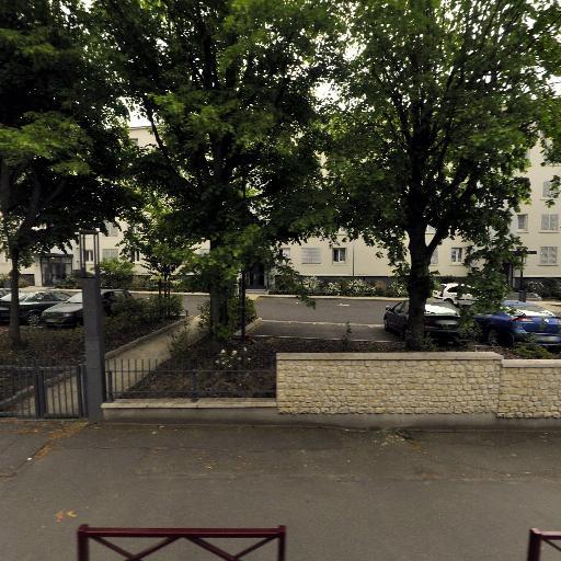 Maimouna Kamara - Conseil et études financières - Montreuil