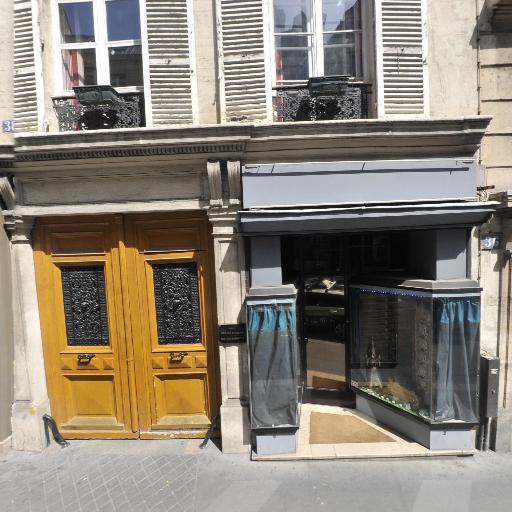 Madame Myriam Hoppe - Courtier en marchandises - Paris
