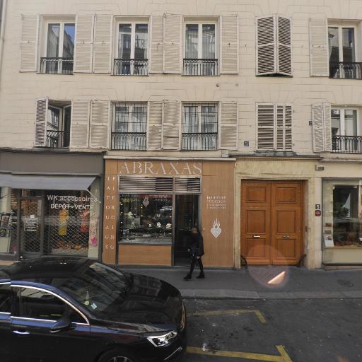 WK Accessoires - Dépôt-vente de vêtements - Paris