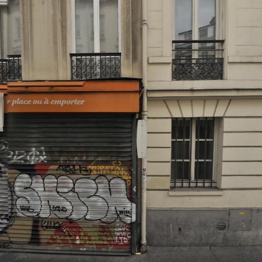 Alizée - Hôtesse d'accueil - Paris