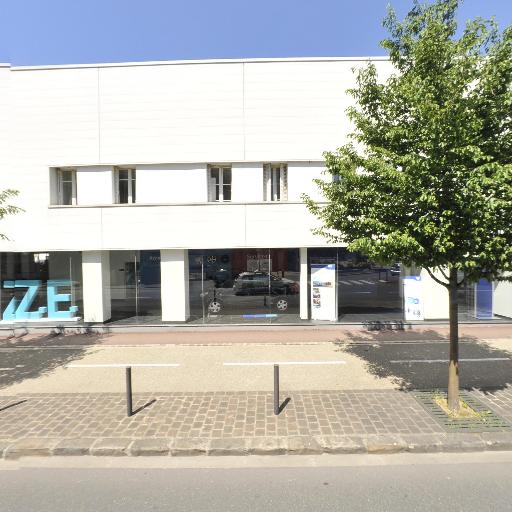 Renault - Location d'automobiles de tourisme et d'utilitaires - Saint-Germain-en-Laye