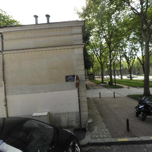 Domaine De Madame Élisabeth - Parc et zone de jeu - Versailles