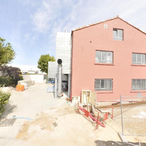 Batî Couverture - Entreprise de démoussage et de traitement des toitures - Aix-en-Provence