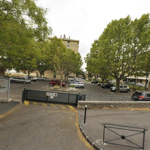 Jenkins Sarah - Cours de langues - Aix-en-Provence