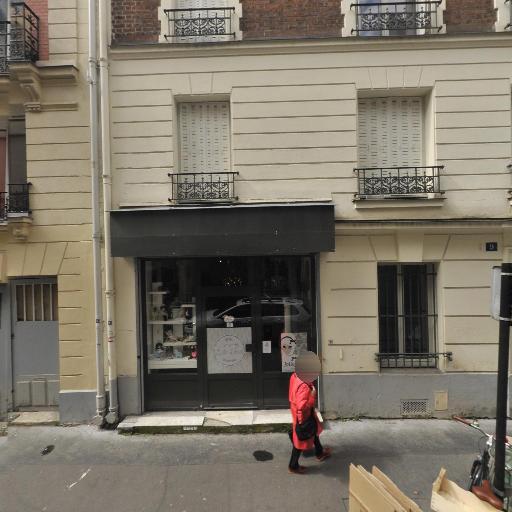 L'esprit vide grenier - Achat et vente d'antiquités - Paris