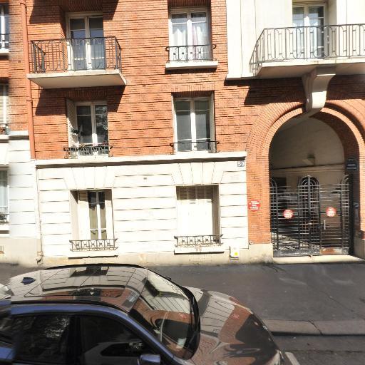 First Class Driver - Chauffeur d'automobiles - Paris