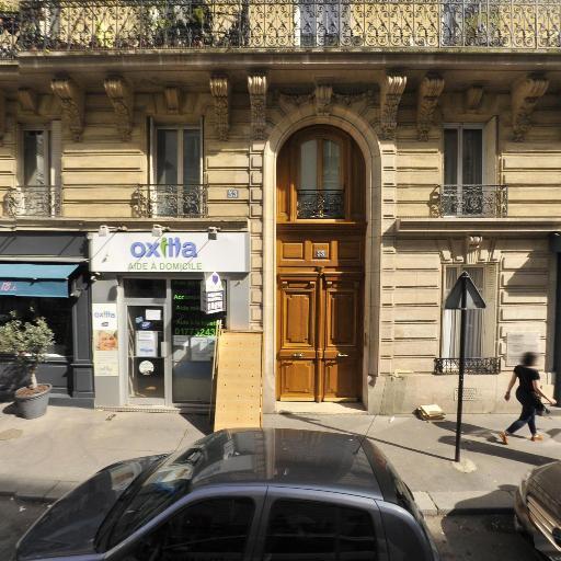 Candice Levy - Soins hors d'un cadre réglementé - Paris
