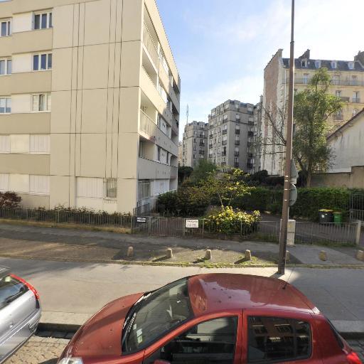 Sasorith Manolak - Coursiers - Paris