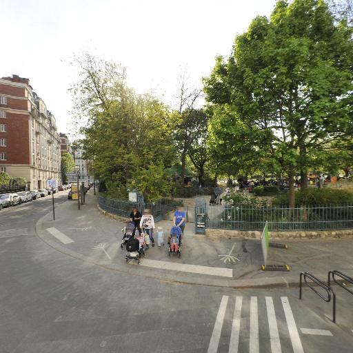 Manège Au P'tit St Lambert - Parc et zone de jeu - Paris