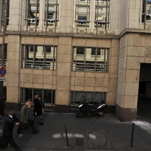 35n - Conseil en communication d'entreprises - Paris