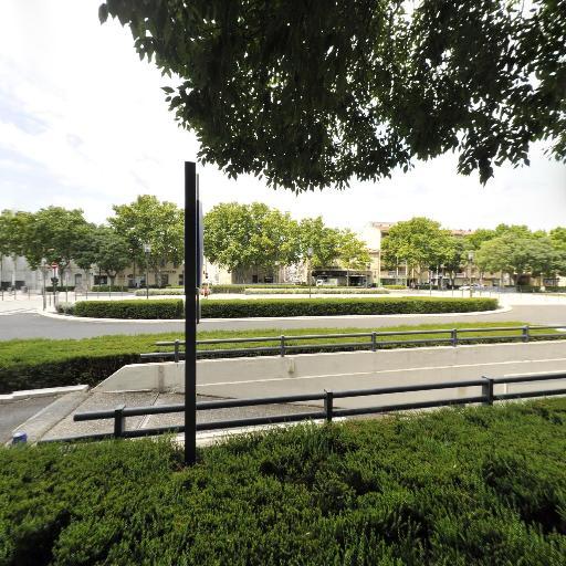 Nîmes - Jardin de la Fontaine - Indigo - Parking réservable en ligne - Nîmes