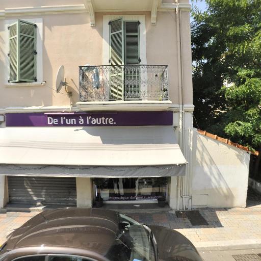 Boutique de l'un à l'autre - Dépôt-vente de vêtements - Cannes