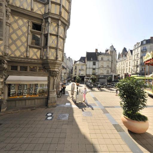 Maison d'Adam et Ève - Attraction touristique - Angers