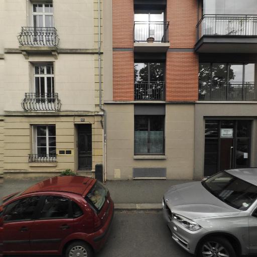 Clinique Du Cheveu - Soin des cheveux - Rennes