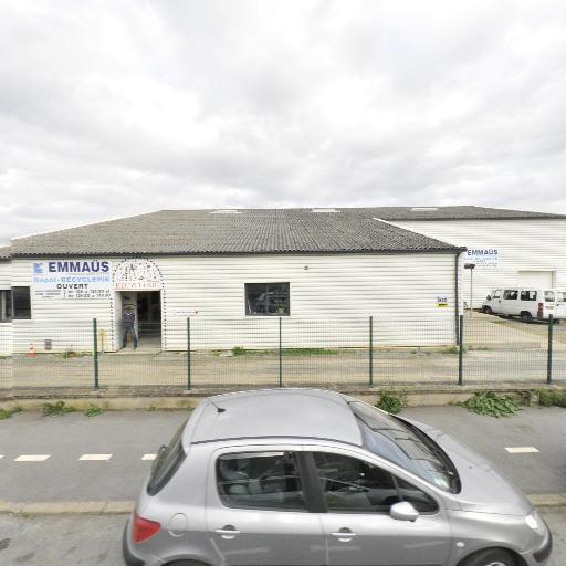 Salle des ventes Emmaüs - Déblaiement et débarras - Rennes